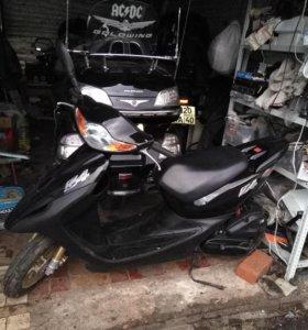 Скутер хонда дио z4