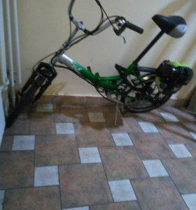Велосипед складной с мотором.