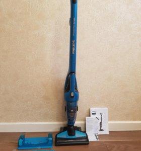 Продаю пылесос Philips PowerPro Aqua FC6404/01