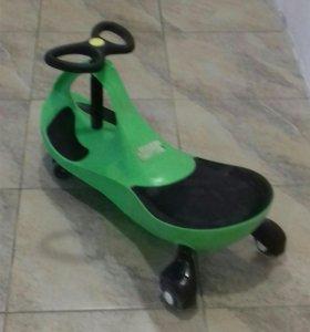 Детская самокатящая машина