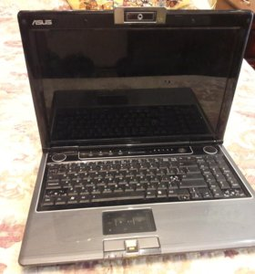 Продаётся ноутбук в нерабочем состоянии