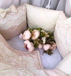 Бортики в кроватку, одеяло, простынь