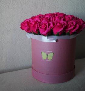 29 мыльных роз в шляпной коробке
