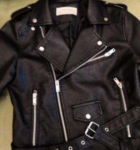 Куртка новая S