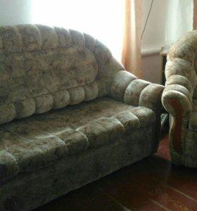 Продам диван и 2 кресла.