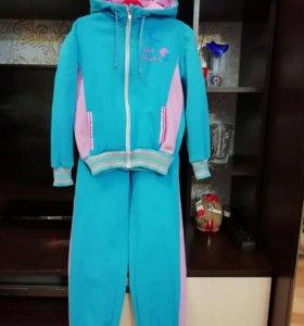 Утеплённый костюм для девочки