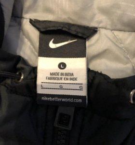 Nike. Мужская куртка.