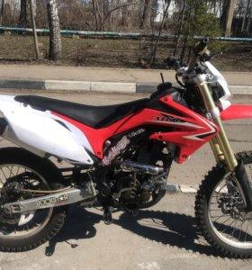 Кроссовый мотоцикл CRF 250