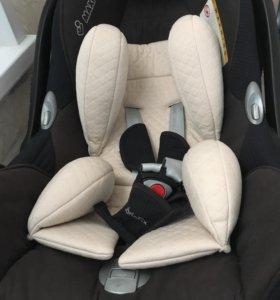 Автомобильное кресло -люлька Maxi-Cosi