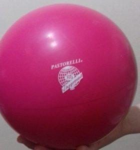 Мяч и обруч для художественной гимнастики