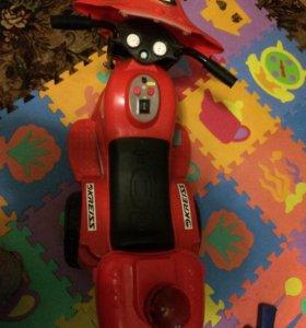 Детский аккумуляторный мотоцикл.