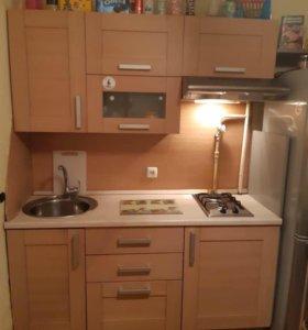 Кухня смебелью( кухонный гарнитур)