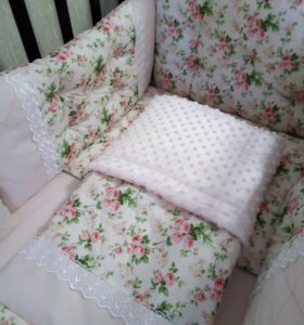 Комплект в кроватку для принцессы)))