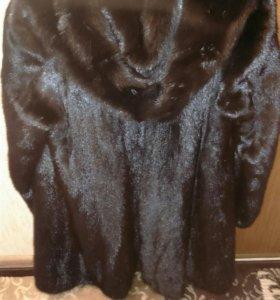 Шуба норковая 42-44, черная