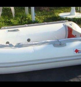 Лодка надувная 4,2 м ,с мотором ямаха 25 л.с