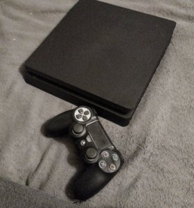 PlayStation slim 4