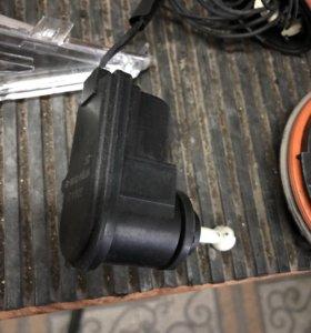 Форд фокус 3, электролегулятор фары, поворо