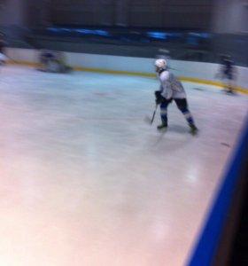 Продам форму хоккейную