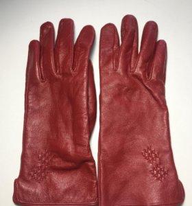 Красные кожаные перчатки (натур.кожа)