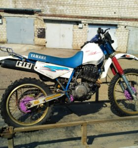 Yamaha XT250 (Serow)