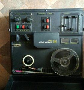 Катушечный магнитофон Комета 212