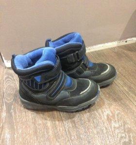 Продам пакет обуви детской 29-31