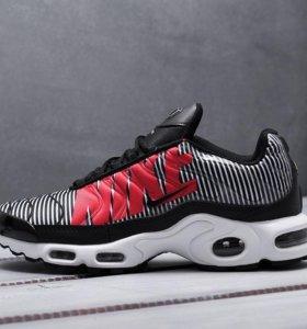 Кроссовки Nike Air Max Plus TN (все расцветки)