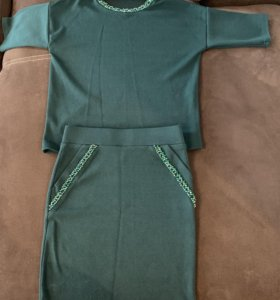 Костюм женский юбка с кофтой . Новый