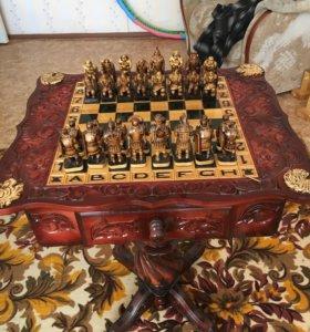 Шахматный столик с шахматами, ручной работы