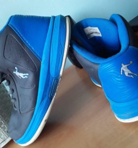 Баскетбольный обувь