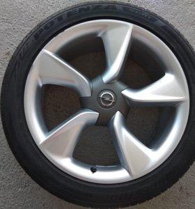 Продаётся комплект колёс