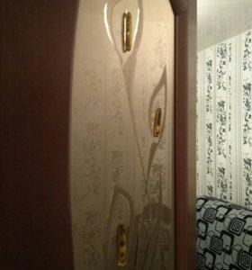 Двери б/у межкомнатные из массива с дек стеклом