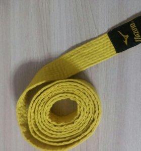 Желтый пояс для единоборств