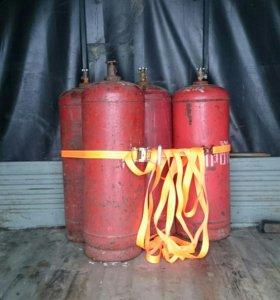 Газовые балоны 4 штуки.