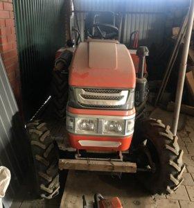 Уралец 220 трактор