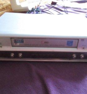 видеомагнитофон LG и DVD Samsung