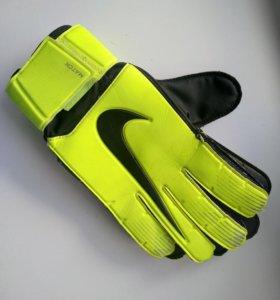 Вратарские перчатки Nike (9)