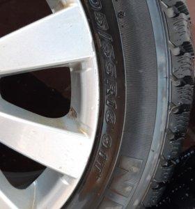 Комплект зимних колёс с дисками.