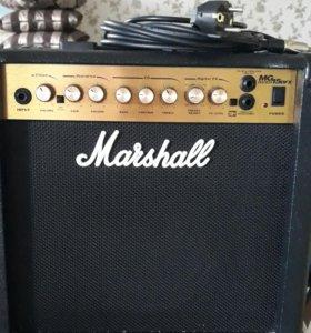 """Гитарный комбоусилитель """"Маршалл"""""""