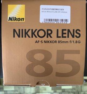 объектив Nikon 85 mm f/1.8 G AF -S NIKKOR