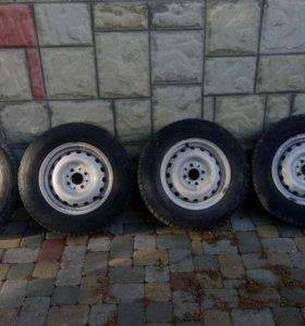 Продаю 4 зимних колеса в сборе