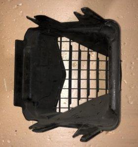 пластик головы,решетка Aprilia Sr50R