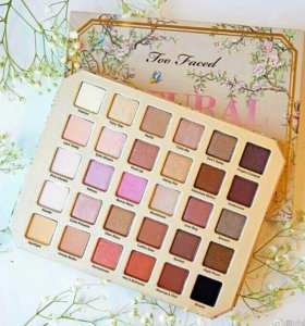 Тени Too Faced Natural Love