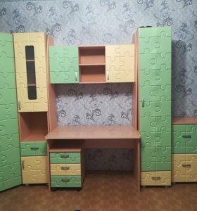 Продам детский комплект мебели