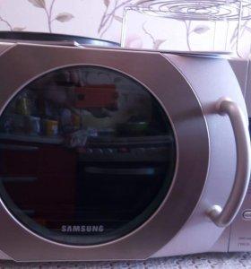 Микроволновая печь Samsung CE287MNR