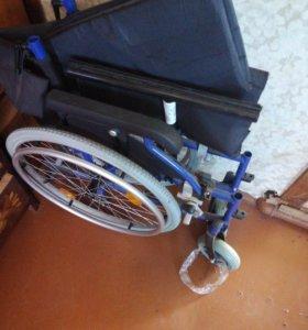 Прогулочное инвалидное кресло