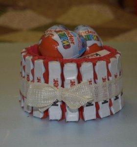 Мужские букеты,детские тортики из киндоров