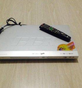 DVD плеер BBK DV326SI