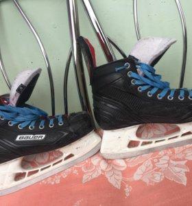 Хоккейные коньки ,полупрофессиональные
