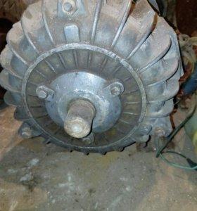 Электродвигатель 220в + понижающий редуктор